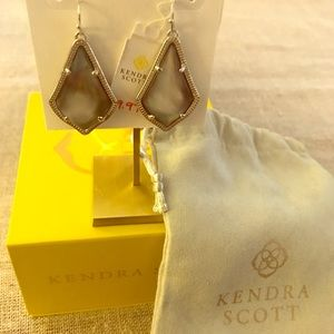 NWT Alex Black Mother of Pearl Earrings
